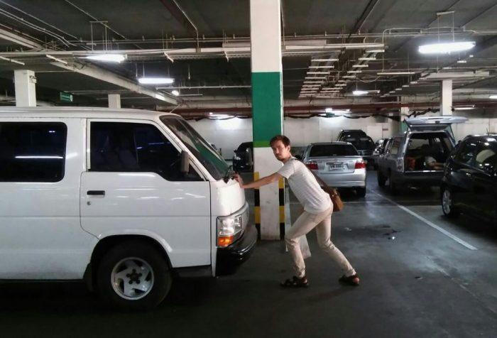 ...tällöin auton voi kätevästi työntää pois tieltä. (kuva: Hanna)